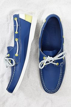 Sebago Leather boat shoes in bright colors don't just look good on your yacht but they look good just about anywhere. Leather Boat Shoes, Gold Shoes, Blue Shoes, Fila Shoes Womens, Womens Golf Shoes, Dockside Shoes, Sneakers Fashion, Fashion Shoes, Men's Fashion