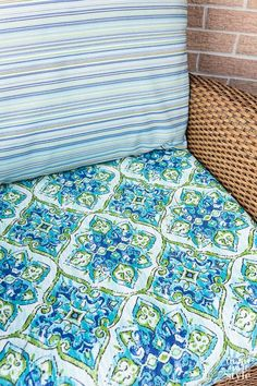 Easy Ways to Make Indoor and Outdoor Chair Cushion Covers Patio Furniture Cushions, Outdoor Chair Cushions, Diy Outdoor Furniture, Cushions On Sofa, Outdoor Chairs, Outdoor Chair Covers, Owl Pillows, Burlap Pillows, Chair Upholstery