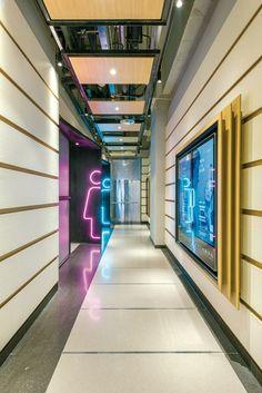 Corridor Lighting, Guiyang, Rest Area, Rest Room, Washroom, Sign Design, Bathroom Interior, Showroom, Signage