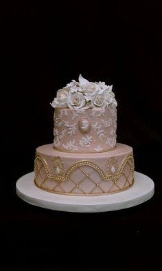 ... Cakes | Pinterest | Buttercream Roses, Rose Cupcake and Vanilla