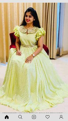 Lehenga Designs, Half Saree Designs, Blouse Designs Silk, Dress Neck Designs, Kurti Designs Party Wear, Outfit Designer, Indian Designer Outfits, Long Gown Dress, Frock Dress