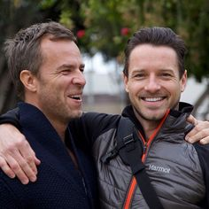 This may be my favorite picture ever!! JR Bourne and Ian Bohen! Aaaah!! Thy are so beautiful!!