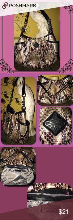 "SIMPLY Vera ALICIA Hobo Chainlink Snakeprint Bag NWOT! Retails for $69  Silver-tone hardware Signature Vera Wang logo Pleated accents  10""H x 16""W x 5""D Drop down length: 11"" Shoulder strap Magnetic snap closure Exterior: 2 slip pockets Interior: zip pocket (no issues with zipper) & 2 slip pockets Faux leather material, easily wipes clean Simply Vera Vera Wang Bags Satchels"