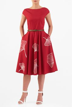 Our cotton poplin fit-and-flare dress is styled with a figure-defining seamed and belted waist and a full flare skirt embellished with florals for a ladylike finish. Dressy Dresses, Long Bridesmaid Dresses, Simple Dresses, Lace Dresses, Club Dresses, Custom Dresses, Vintage Dresses, African Traditional Dresses, Frack