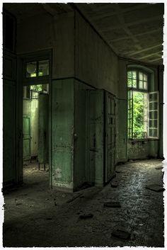 Möglichkeiten.... by rivende, via Flickr Old Abandoned Buildings, Abandoned Property, Abandoned Castles, Old Buildings, Derelict Places, Abandoned Places, Old Mansions, Abandoned Mansions, Abandoned Train Station