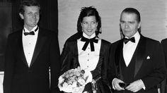 Prinzessin Caroline 1985 eingerahmt von ihrer großen Liebe Stefano (l.) und Lieblingsdesigner Karl Lagerfeld (r.) beim Rosenball