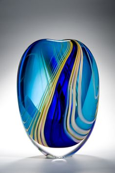 Highlights Stoneform ~ One of the crowning jewels of Peter's 'Highlights' collection. A composition in blue. Linear channels of turquoise and royal blue are flanked by delicate and diffuse ribbons of yellow. A magnificent piece! Blown Glass Art, Art Of Glass, Glass Artwork, Glass Vase, Cut Glass, Fused Glass, Stained Glass, Cristal Art, Vase Deco