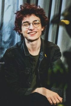 Here he looks like harry Hayri potur'um benim!! Finn Stranger Things, I Still Love Him, Troll, My Boyfriend, Cute Boys, Love Of My Life, Jon Snow, Boyfriends, Grooms