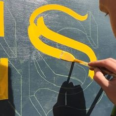 For all of those that wanted more of the S! Didn't film any more of the sign but will try to get some more clips to satisfy your eyes. Painted Letters, Hand Painted Signs, Monogram Letters, Types Of Lettering, Brush Lettering, Lettering Design, Air Brush Painting, Diy Painting, Sign Writing