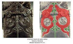 Teacă de sabie celtică descoperită în mormânt de incinerație de la Dobova, Slovenia, datată la sfârșitul secolului III î.e.n. Dragonii sunt afrontaţi faţă de reprezentarea Pomului Vieţii.