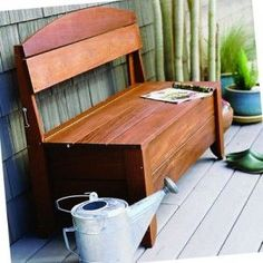 Beautiful and simple outdoor storage bench plan