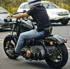 Harley Davidson News – Harley Davidson Bike Pics Harley Davidson Sportster 1200, Harley Davidson Chopper, Harley Davidson Street, Sportster 48, Bobber Bikes, Bobber Motorcycle, Motorcycle Style, Motorcycle Garage, Honda Bobber