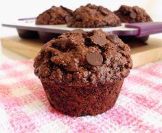 Healthy Double Chocolate Oat Bran Muffins | www.pinkrecipebox.com