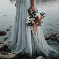 Blue Wedding, Wedding Bells, Dream Wedding, Wedding Day, Amazing Wedding Dress, Wedding Dress Styles, Nontraditional Wedding Dresses, Wedding Bouquets, Wedding Gowns