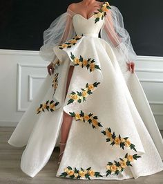 Evening Gowns - Some Tips To The Wedding Of Your Respective Dreams Elegant Dresses, Pretty Dresses, Formal Dresses, Casual Dresses, Ball Dresses, Ball Gowns, Prom Dresses Flowers, Wedding Dresses, Dresses Dresses