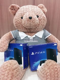 What a cute but huge teddy bear 😋 #rentalps4 #sewaps4jakarta #sewaps4 #rentalps4jakarta #sewaps3 #rentalps3 #ps4harian #ps3harian