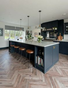 27+ Home Makeover Ideas Neutral Kitchen Color #kitchendecor #kitchendesign #kitchenideas ~ Gorgeous House