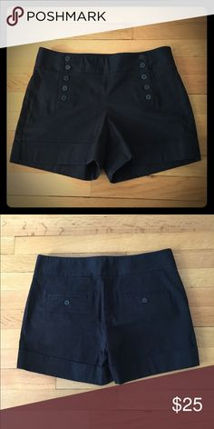 Black khaki Express shorts Mid-waist sailor-style black khaki Express shorts. They run slightly small, so they're somewhere between a 6 and an 8. Express Shorts