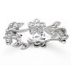 This diamond #floral #wedding eternity ring makes our heart bloom