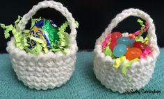 How adorable are these cutie patootie Easter baskets? Our very own Cathy Cunningham made the pattern.