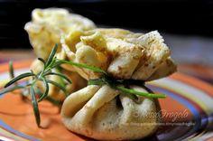 Oggi ho preparato questi gustosissimi fagottini di crepes con funghi zucca e taleggio. Vi suggerisco di aggiungerli al menù di Natale,farete di sicuro un...