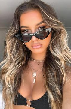 The Picadilly Sunglasses Black. Head online and shop this season's latest styles at White Fox. Blonde Hair Looks, Brown Blonde Hair, Brown Beach Hair, Beach Hair Color, Carmel Blonde Hair, Black And Blonde, Blonde Hair Natural Brunette, Summer Hair Colour, Dark Brown Blonde Balayage