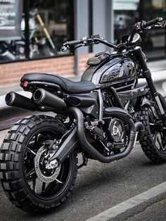- Ducati Motor Holding S. Moto Scrambler, Ducati Scrambler Custom, Moto Bike, Cafe Racer Motorcycle, Ducati 749, Capacete Pro Tork, Bobbers, Futuristic Motorcycle, Roadster
