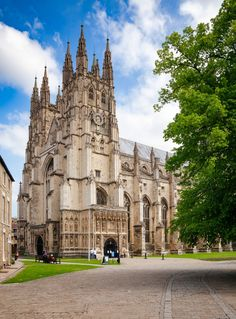 To make your visit more memorable, make sure to go on a day trips from London and explore its neighboring cities and towns to get the most of your trip to the UK! Day Trips From London, London United Kingdom, Canterbury, 10 Days, Barcelona Cathedral, How To Memorize Things, To Go, Explore, City