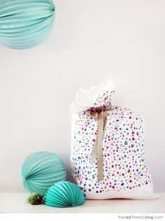 the red thread :: create, inspire, share Pillowcases for wrapping!