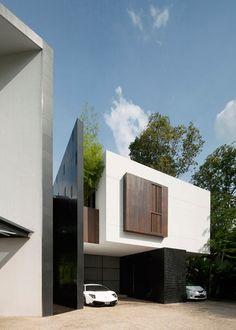 Black & White House by Formwerkz Architects