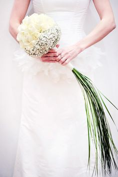 Handtied bridal bouquet with cream roses, gypsophila and trailing grasses. Brautstrauß Hannover - Milles Fleurs www. Simple Wedding Bouquets, Wedding Brooch Bouquets, Flower Bouquet Wedding, Floral Wedding, Elegant Wedding, Flower Bouquets, Bouquet Bride, Bridesmaid Bouquet, Wedding Designs