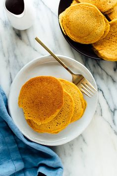 Super delicious whole wheat pumpkin pancakes (no one will know that they're healthy)