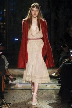 Luisa Beccaria Fall 2017 Ready-to-Wear Fashion Show Collection Catwalk Fashion, Fashion Week, Fashion 2017, Casual Couture, Couture Fashion, Chic Outfits, Fashion Outfits, Luisa Beccaria, High Fashion Looks