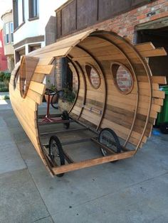 building this on the back of a flatbed truck could be cool, but I don't know how sustainable it would be just driving all around, especially rough terrain. jay nelson : Photo