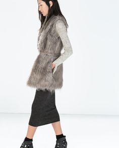 Image 2 of FUR VEST WITH WAIST SEAM from Zara