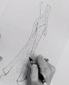 Wedding Dress Sketches, Dress Design Sketches, Fashion Design Sketchbook, Fashion Design Portfolio, Fashion Design Drawings, Fashion Drawing Tutorial, Fashion Illustration Tutorial, Fashion Illustration Sketches, Illustration Mode