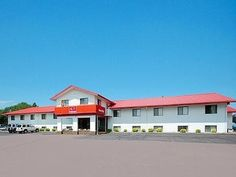 Mitchell (SD) Econo Lodge United States, North America Econo Lodge is conveniently located in the popular Mitchell area. The hotel offers guests a range of services and amenities designed to provide comfort and convenience. Wi-Fi in public areas, car park, pets allowed are on the list of things guests can enjoy. Designed for comfort, selected guestrooms offer desk, alarm clock, telephone, internet access – LAN (complimentary), television to ensure a restful night. The hotel of...