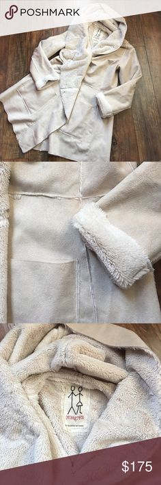 Pete and Greta cream coat with faux fur size M Pete and Greta for Johnny Was cream coat with faux fur size medium. Perfect condition. Length 35 in front, 32.5 inches in back. No holds or trades. ❤️❤️❤️ Johnny Was Jackets & Coats
