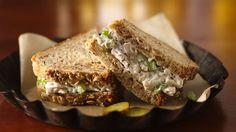 Com ou sem fundo, olha um close de sanduíche legal.