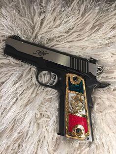 Weapons Guns, Airsoft Guns, Guns And Ammo, Don Perignon, New Background Images, Pop Art Wallpaper, Arsenal, Shooting Guns, New Backgrounds