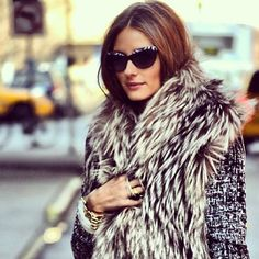Olivia Palermo, a model, style icon, New York socialite and star of The City stands as one of the most fashionable and stylish women in the fashion world. Fur Fashion, Look Fashion, Street Fashion, Fashion Models, Womens Fashion, Style Olivia Palermo, Top Mode, Street Style, Winter Looks