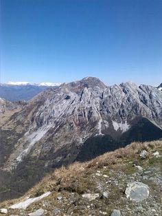 Ancora un po' di neve sulle Alpi Apuane!