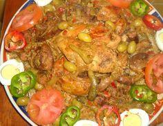 Un plat d'origine casamançaise toujours apprécié. Le yassa, connu surtout dans sa version « poulet » est un plat d'origine casamançaise toujours apprécié. Les morceaux de poulet (ou le poisson, le porc), (...) Senegalese Recipe, Puff Pastry Appetizers, Tasty, Yummy Food, Fresh Seafood, Recipe For 4, Food Videos, Curry, Recipes