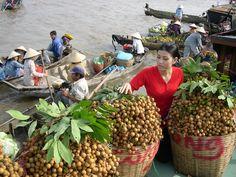Trái cây tại chợ nổi Cái Răng