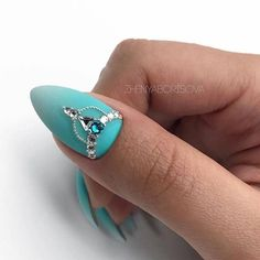 Nails Designs - Most Beautiful Nail Art Design Ideas For Trendy Girls Swarovski Nails, Crystal Nails, Rhinestone Nails, Bling Nails, Nail Crystal Designs, Nail Art Designs, Indian Nail Designs, 3d Nail Art, Diamond Nail Art