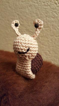 Snail Snail, Christmas Ornaments, Holiday Decor, Home Decor, Amigurumi, Snails, Homemade Home Decor, Christmas Jewelry, Christmas Ornament