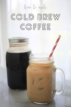 Cold brew coffee in mason jars – perfect for hot summer days!