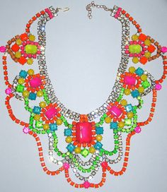 Gorgeous pop of color. Would be fab with an all black outfit. Great for summer