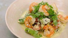 Wilde rijstsalade met gebakken scampi en currydressing | Dagelijkse kost