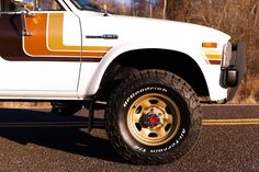 Toyota Pickup For Sale, Toyota Trucks For Sale, Lifted Chevy Trucks, Lifted Ford Trucks, Pickup Trucks, Jeep Pickup, Toyota Hilux, Toyota Autos, Toyota 4x4